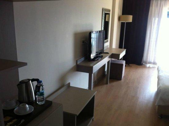Zinos Hotel: odadan bir kare