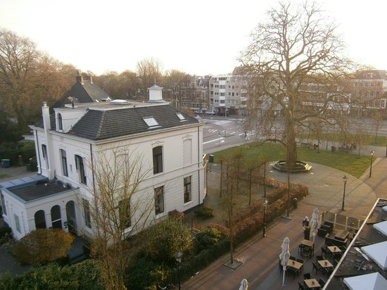 Carlton Square Hotel: View from room