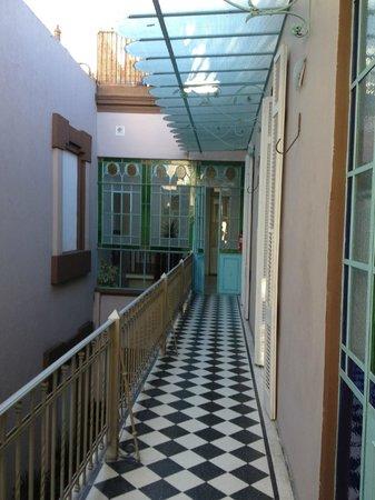 Hotel Boutique Raco de Buenos Aires: corredor interno do primeiro andar
