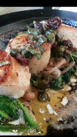 MP Taverna: Scallops