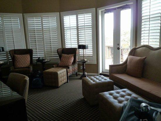 El Tovar Hotel: Living Room of Solarium Suite