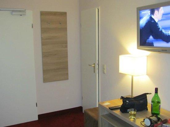 Wetterstein Hotel: bureau en mooie grote flatscreen