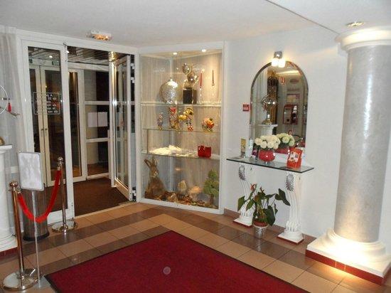 Hôtel Lyon Sud : Hall d'entrée
