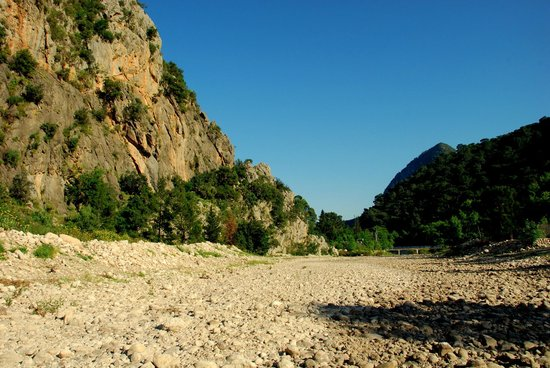 Canan Holiday House : Riverbed
