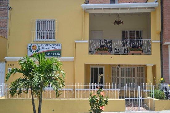 Sol de Laureles Casa Hotel: La casa