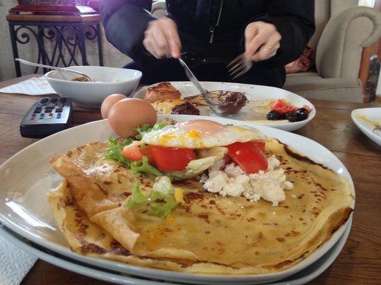 Kelebek Special Cave Hotel: Breakfast!