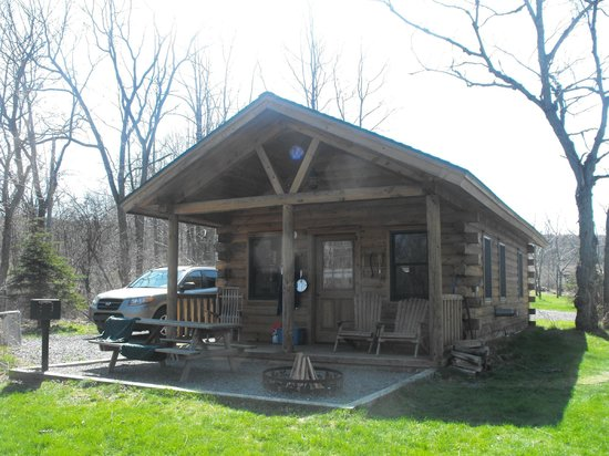 Finger Lakes Mill Creek Cabins: Aspen Cabin
