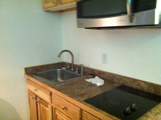 Motel 6 Missoula - University: Mini-kitchen