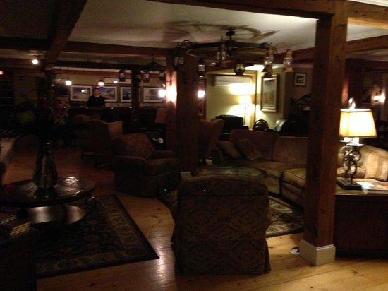 Gazebo Inn Ogunquit: The cozy common area