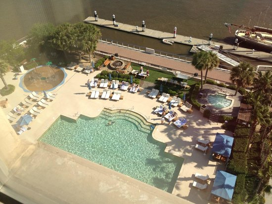 The Westin Savannah Harbor Golf Resort & Spa: Pool from our 10th Floor room
