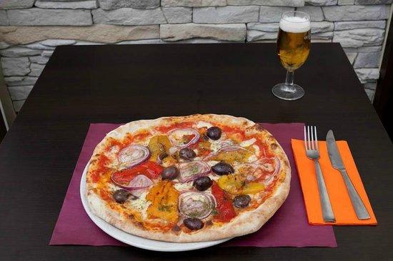 Pizzeria La Tana
