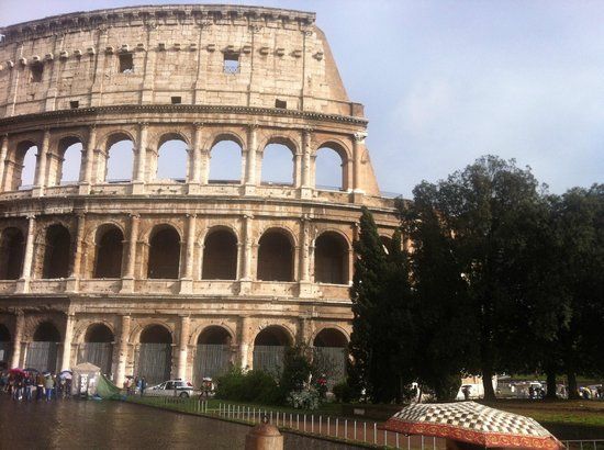 InLimoRome: Colosseo, Day tour in Rome