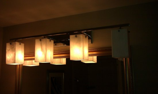Omaha Marriott: apparently we didnt pay enough to have four working light bulbs