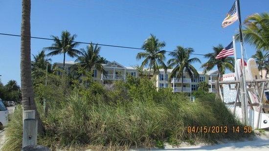 Sheraton Suites Key West: View of Hotel from beach