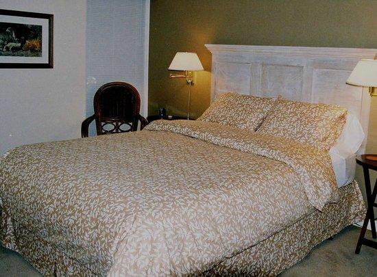 Windermere Lakeside Bed and Breakfast: Swansea bedroom