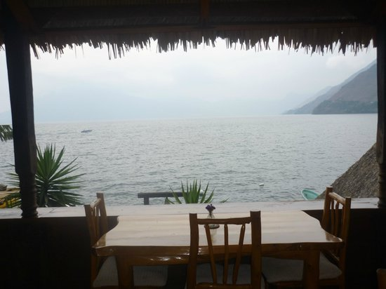 Laguna Lodge Eco-Resort & Nature Reserve: Vista desde el comedor