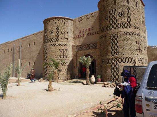 Hotel Nomad Palace: entrada hotel