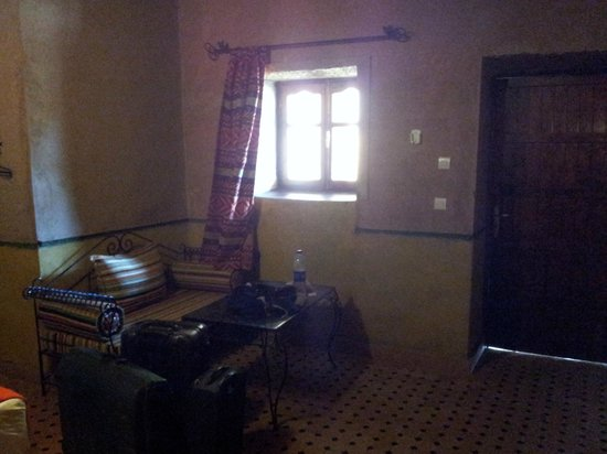 Hotel Nomad Palace: zona relax habitación