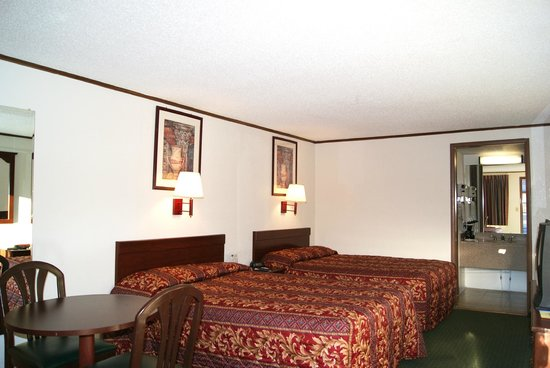 Rodeway Inn: 2 Beds with Microfridge
