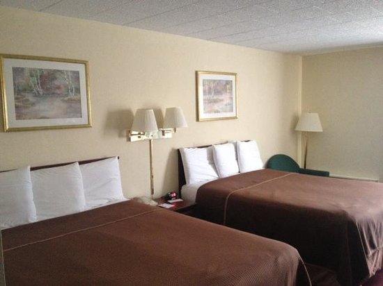 Howard Johnson Bartonsville/Poconos Area: soft clean beds