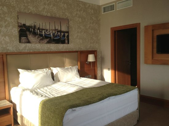 CityHotel: le lit avec double matelas