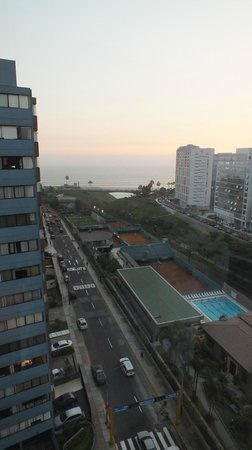 Radisson Hotel Decapolis Miraflores: View of the Pacific from rooftop terrace