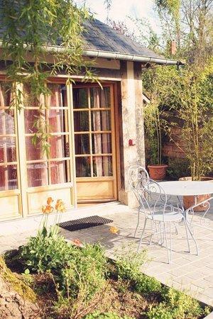 Auberge de la Source - Hotel de Charme: La terrasse de notre chambre