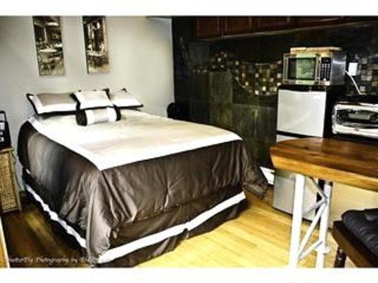 ladysmith bed and breakfast canada vancouver island guesthouse reviews photos price. Black Bedroom Furniture Sets. Home Design Ideas