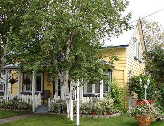 Gite du soleil couchant petit saguenay kanada omd men for Auberge du jardin petit saguenay
