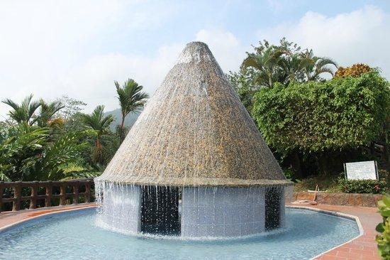 Los Lagos Hotel Spa & Resort: El Volcán piscina del Hotel los Lagos