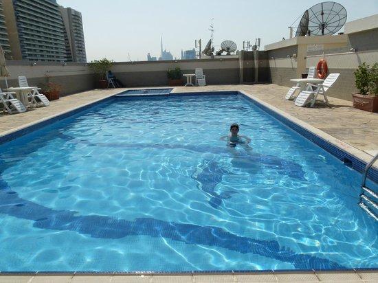 Rose Garden Hotel Apartments Bur Dubai Piscina Climatizada