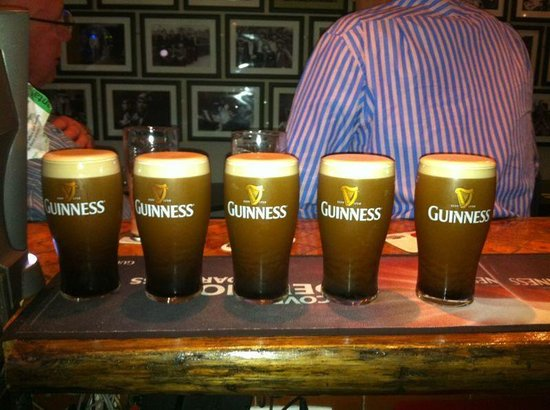 Hickey's Irish Pub : The Guinness is Good!!!