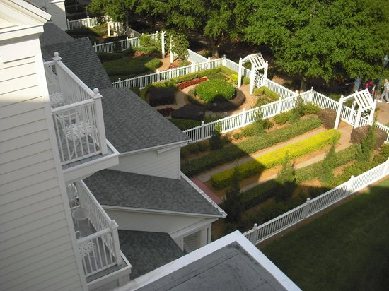 Disney's BoardWalk Inn: Room Boardwalk view, Garden Suites