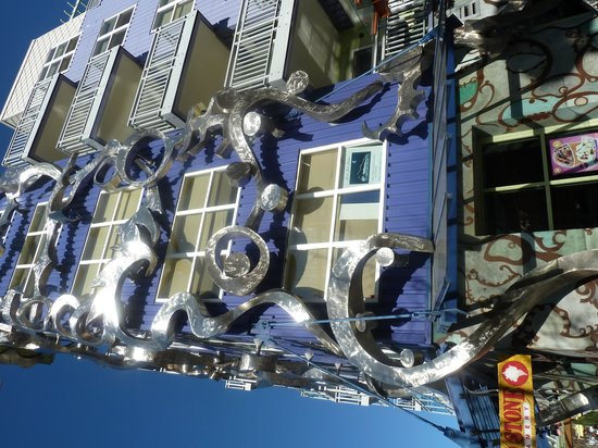 Fremont : Cool building