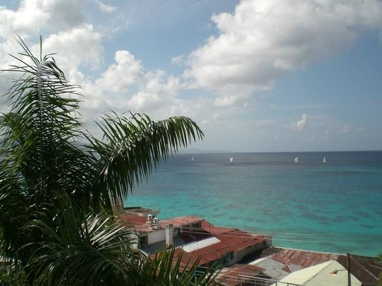 Montego Bay Club Resort: on balcony
