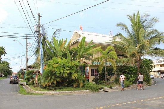 Hotelito Del Mar: Hotel from the street