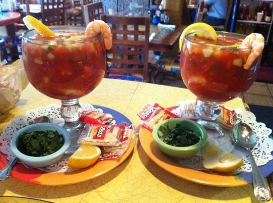 La Costa Mariscos: shrimp cocktails!