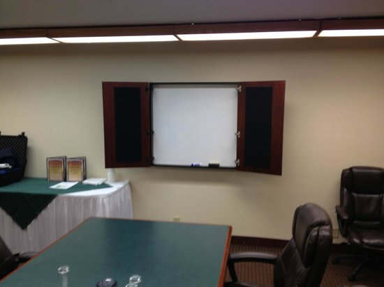 Holiday Inn Fond Du Lac: White board in meeting room 104