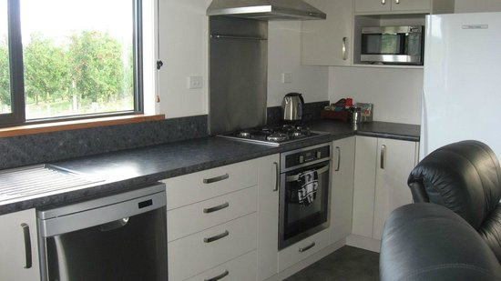 Bluebell Lodge and Cottage : Two bedroom cottage - kitchen