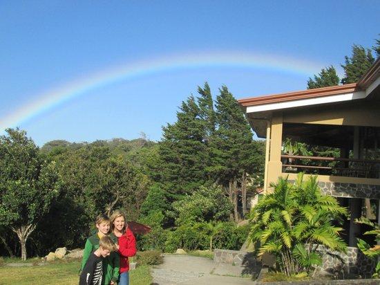 Hotel de Montaña Monteverde: Rainbows all the time
