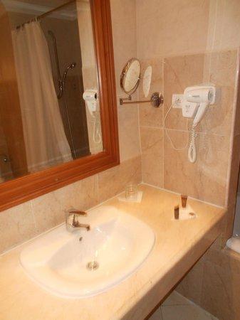 Ryad Mogador Kasbah: Bathroom