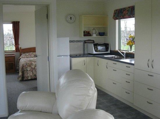 Bluebell Lodge and Cottage : One bedroom cottage - Kitchen/dining/lounge area