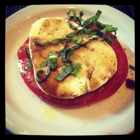Old Towne Orange Walking Food Tours: mozzarella & tomato @ Francoli