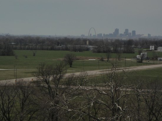Monks Mound - Picture of Cahokia Mounds State Historic Site