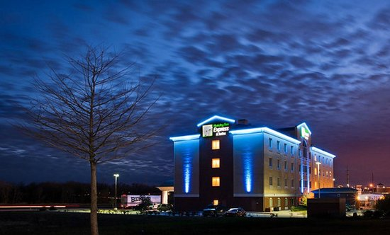 Holiday Inn Express Hotel & Suites Royse City - Rockwall Area: Night Exterior