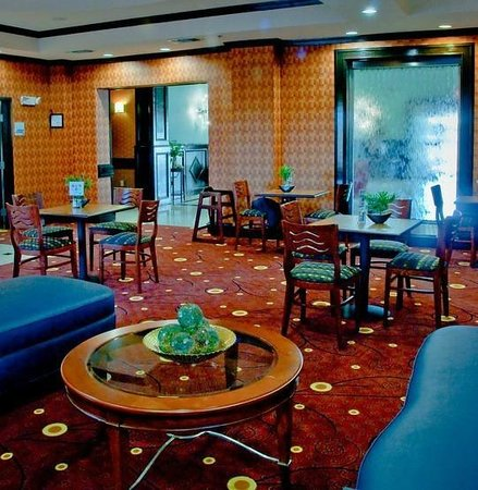 Holiday Inn Express Hotel & Suites Royse City - Rockwall Area: Dining Area