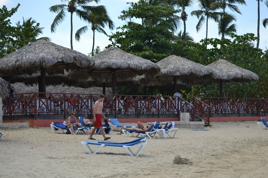 Grand Bahia Principe El Portillo: Fantastic lunch bar with a view that is second to none