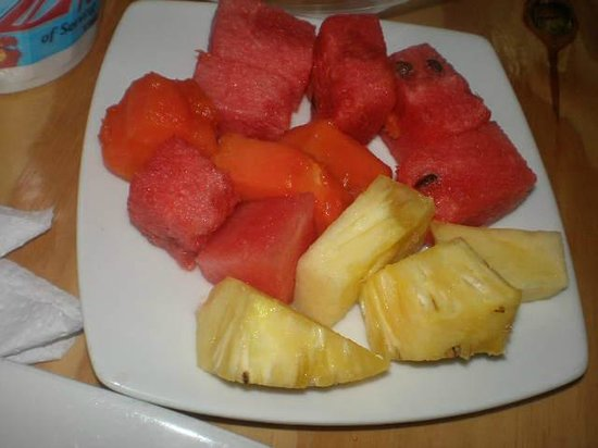 Cabecera Country Hotel: Hotel Cabacera Free Breakfast  - Fresh fruits
