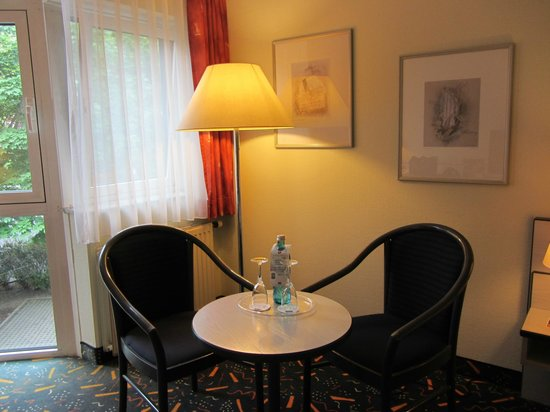 Ramada Hotel Bruehl-Koeln : Warm and cozy..