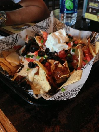 Frank & Steins Eatery & Pub: chili cheese chips